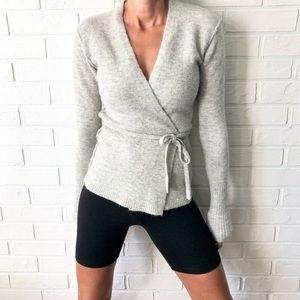 Aritzia Wilfred Free Gigi Italian yarn sweater XS